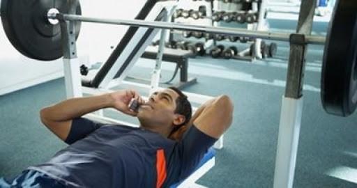 Cosas que no deberías hacer en el gimnasio 5