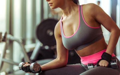Mujer y entrenamiento de fuerza: beneficios en pérdida de grasa y en la masa ósea