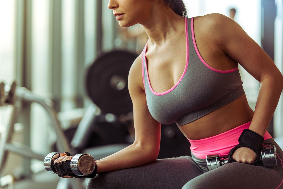 Mujer y entrenamiento de fuerza: beneficios en pérdida de grasa y en la masa ósea 1